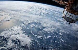 <p>El objetivo de este webminar es presentar los últimos avances y las principales innovaciones en los sistemas de navegación por satélite, y en particular en la contribución europea a la navegación por satélite mediante los sistemas EGNOS y Galileo.</p>  <p>Los ponentes serán los responsables de dichas innovaciones en la Comisión Europea.</p>  <p>El webminar se impartirá online a través del enlace: <a href=https://ieeemeetings.webex.com/ieeemeetings/onstage/g.php?MTID=e73a029704d409c32b403ce49aebbbb90 target=_blank>https://ieeemeetings.webex.com/ieeemeetings/onstage/g.php?MTID=e73a029704d409c32b403ce49aebbbb90 </a></p>  <ul> <li>Día: 26 de noviembre</li> <li>17h35 - 18h15: Presentación de Ignacio Alcantarilla (30 minutos + 10 minutos para preguntas/respuestas)</li> <li>18h20 - 19h00: Presentación de Ignacio Fernández (30 minutos + 10 minutos para preguntas/respuestas)</li> </ul>